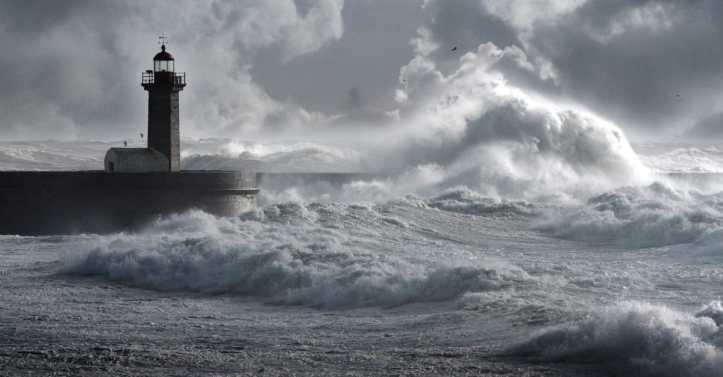 38754-storm-on-ocean-1200.1200w.tn.jpg