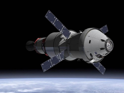 future-skylab-2-humanitys-first-deep-space-station-futuristic-1